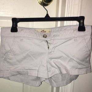 Cream low rise Hollister shorts